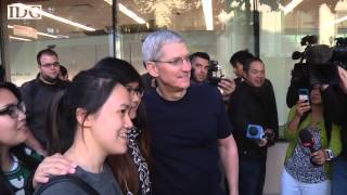 Apple CEO Tim Cook walks the iPhone 6 line in Palo Alto