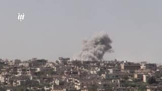 مشاهد للقصف بالطيران الحربي وصواريخ الأرض الأرض محلية الصنع فيل على أحياء درعا البلد