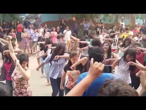 Odisa college girl dance..