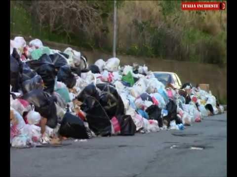 Reggio Calabria: i rifiuti galleggiano, la città va a fondo...