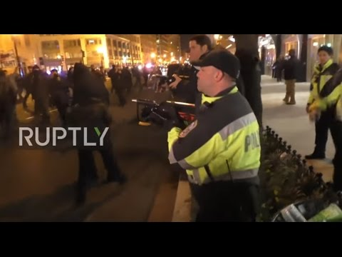 watch USA: Police unleash tear gas on anti-Trump protesters on inauguration eve