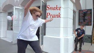 Snake Prank! Funny Scares!