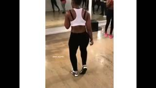 Woah,her waistline #Whine #BodyRoll