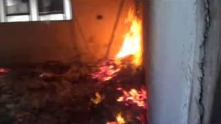 درعا الصنمين اثار حرق البيوت جراء القصف العشوائى على المدينة 10 4 2013
