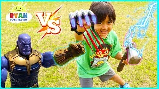 Ryan vs Thanos Marvel Avengers Infinity War Superhero Toys!!!