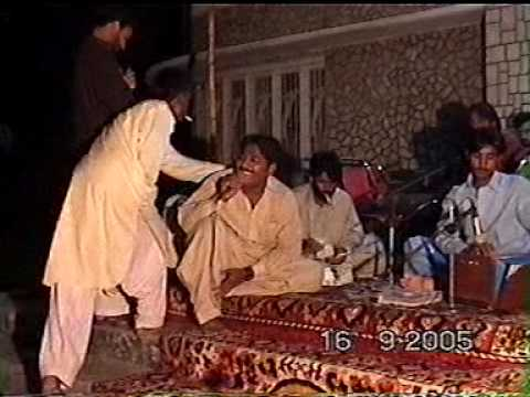 JHAMRA SHARIF CHAKWAL ON MANI HAKAM WEDDING KHURAM LARA SINGING.MPG