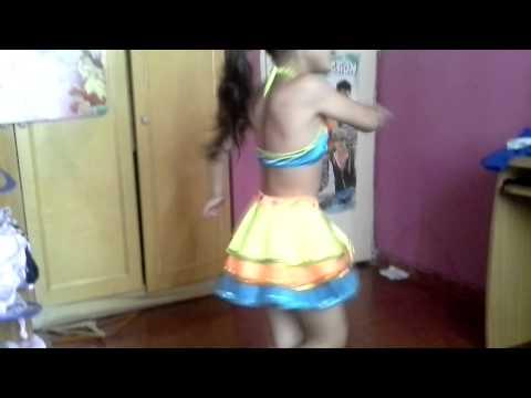 Avril bailando one direction