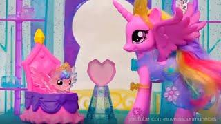 Juguetes con castillo de cristal y bebe de Cadence de MLP y Littlest Pet Shop de colores arco iris