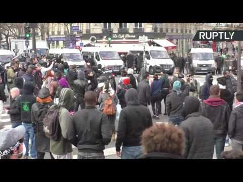 La manifestation sauvage en soutien de Théo à Paris dégénère