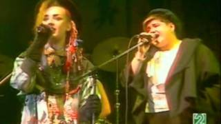Culture Club - Karma Chameleon Live 1983