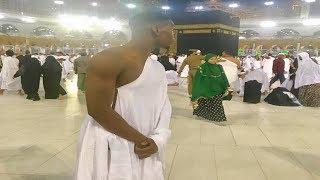شاهد أغلى لاعب كرة قدم في العالم يؤدي عمرة رمضان بمكة - بول بوغبا
