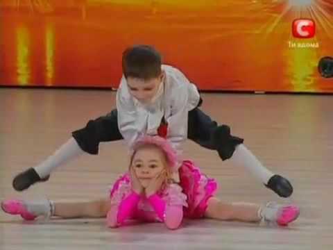Ura tiene 7 años. Karina 6. Increíbles niños prodigio en tienes talento de Ucrania