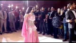 بالفيديو   بعد منعها من الرقص    صافيناز تشعل حفل زفاف عضو بـ مجلس الشعب