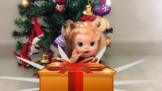 Baby Alive Comilona Recebendo Surpresa de Natal