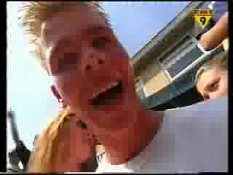 Titt'n - Ben je geil of wil je een koekje (TMF videoclip 1998)