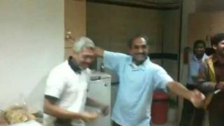 Suresh & Ramesh Video, hilarious enactment of the 5-Star Ad