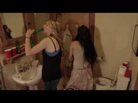 2 girls 1 toilet