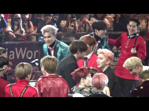2016 MAMA Ending Chanyeol focus