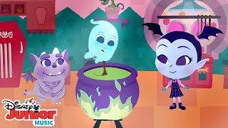 Pease Porridge Hot | 🎼 Disney Junior Music Nursery Rhymes | Disney Junior