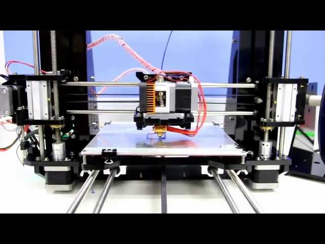 Geeetech prusa I3 X Printing Demonstration