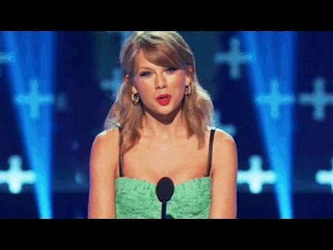 Taylor Swift Pokes Fun at One Direction's Harry Styles & Ex Boyfriends at Teen Choice Awards 2014