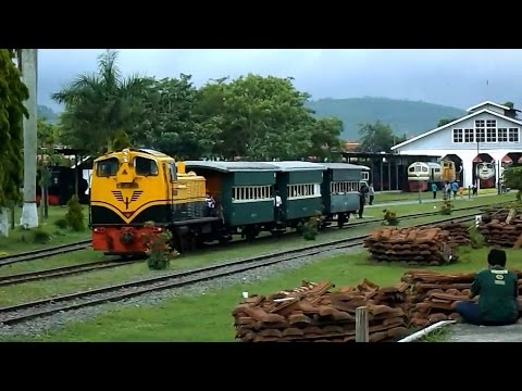 Keberangkatan dan Kedatangan Kereta Api di Ambarawa