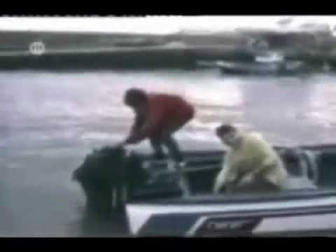 Caidas graciosas chistosas golpes ostias tontos funny bloopers accidentes motos coches 2
