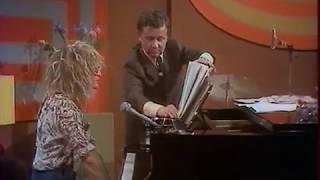 Michel Polnareff improvise une chanson chez Bouvard