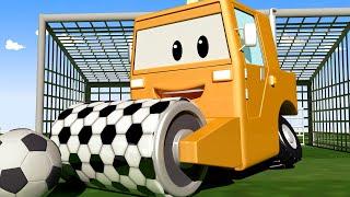 Tom la Dépanneuse -  Steve le Rouleau Compresseur Fonce Dans un Poteau de Football ! - Dessin animé