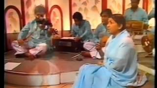 Very Rare Video: Lata Mangeshkar live concert 1971