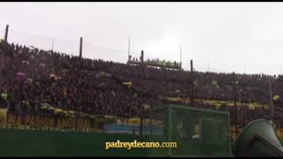 Hinchada de Peñarol en el Centenario - Impresionante!