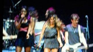 The Vamps in Manchester Somebody To You ft. 5H
