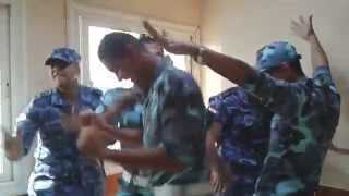 رقص جنود القوات البحريه على اغنيه بشره خير ... مصـــخره هههههههههههههههههه :D