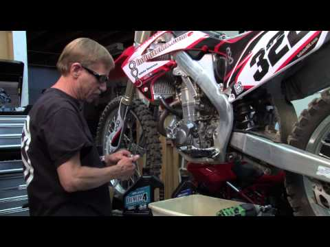 Honda CRF450 - How to make your Honda CRF450 engine last longer. Changing your oil