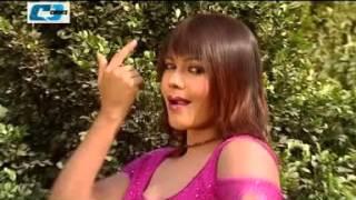গুড্ডিটা উরাঈয়া Guddita Ureea Nasrin Hot Dance song