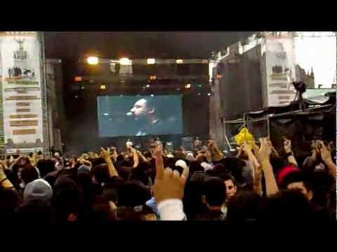 Molotov concierto Frijolero 2010 anti ley SB1070 Zocalo Mexico City
