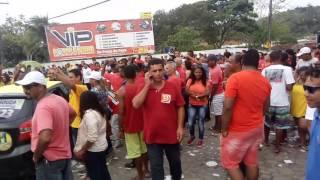 Eleitores eufóricos na Praça Simões Filho e Polivalente em Gandu