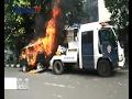Download Video Tak Terima Dirazia, Mobil Dibakar Pemiliknya - BIS 03/02 3GP MP4 FLV