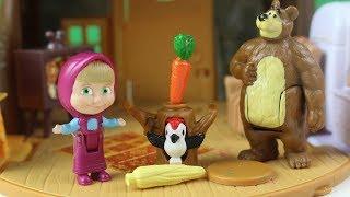 Maşa İle Koca Ayı Küçük Oyuncak Sandıktan Şekerler Çıkarıyor Oyuncaklarla Evcilik Oynuyor