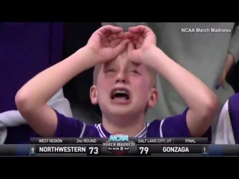 Kid Has VERY dramatic reaction to ref s bad call in NCAA Game