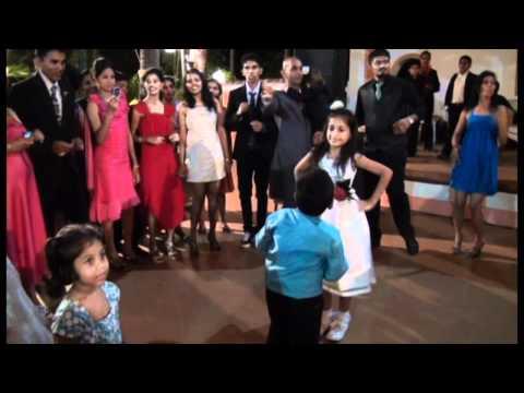 Chamak Challo at Goan wedding