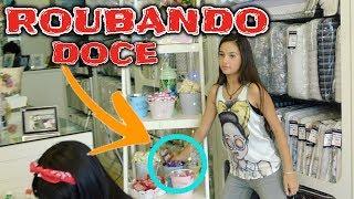 ROUBANDO DOCE (FUI PEGA NO FLAGRA) - Na mala da Mila
