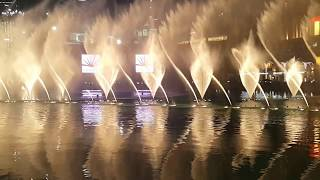 Dubai Mall - Burj Khalifa - Bollywood Dancing Fountains