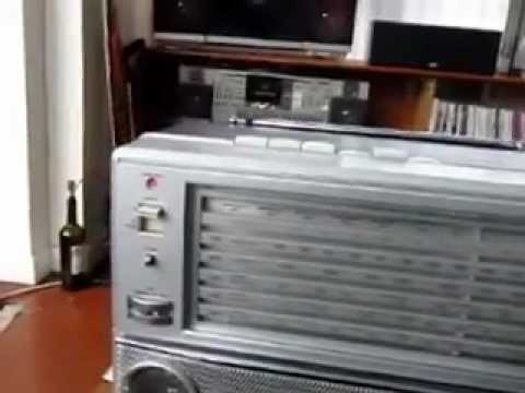 Silver ST 858 Vintage Boombox