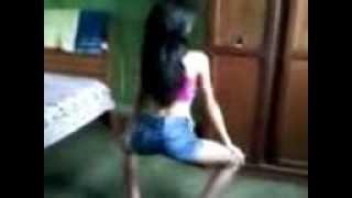Novinha Dançando Funk.