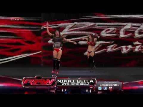Nikki Bella w Brie Bella Vs Natalya #RAW