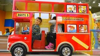 Bus kids video Children ride on the bus car