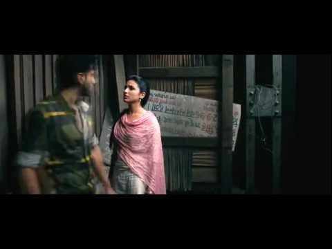 Ishaqzaade Parineeti Chopra HOT Kiss Scene
