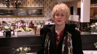 Cafe 36 Decor Reveal - Ramsay's Kitchen Nightmares