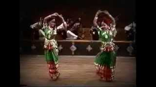 Classical Bangla Dance By- Nipa and Dolly,